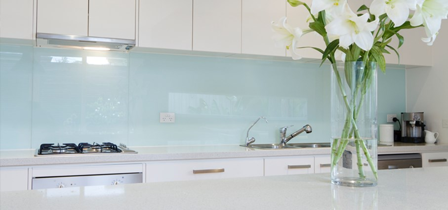 What are some kitchenette design tips?